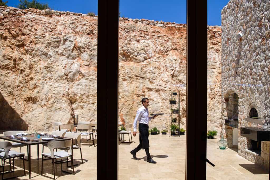 Ovo je fotografija terase restorana Villa Nai 3.3