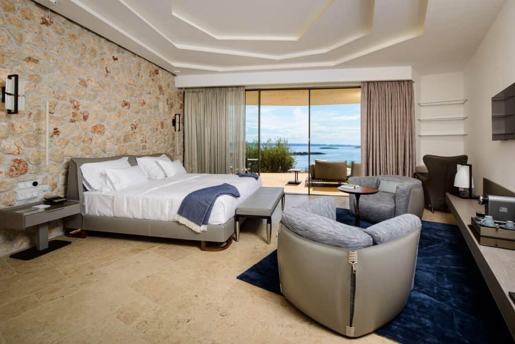 Ovo je fotografija sobe s pogledom na more