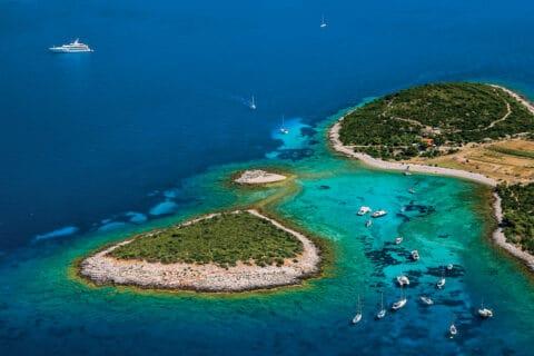 Ovo je fotografija Budikovac, otok Vis
