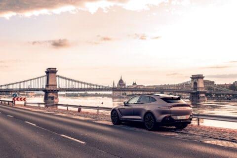 Ovo je fotografija Aston Martin Budimpešta
