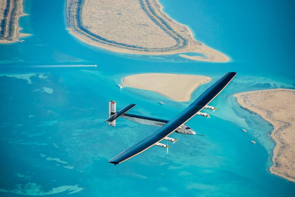 Ovo je fotografija solarnog aviona bez goriva