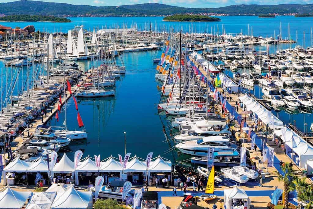 Ovo je fotografija Biograd Boat Show-a u marini Kornati