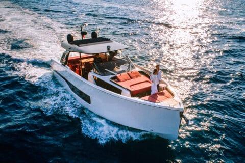 Ovo je fotografija Cranchi A46 Cannes Yachting Festival premijere
