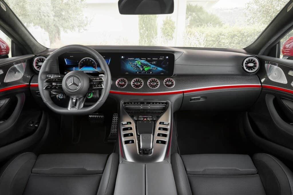 Ovo je fotografija Mercedes-AMG GT 63 S E PERFORMANCE unutrašnjost