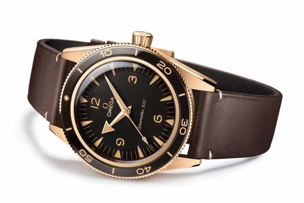 Ovo je fotografija Omega Seamaster 300 Bronze Gold zlatni satovi